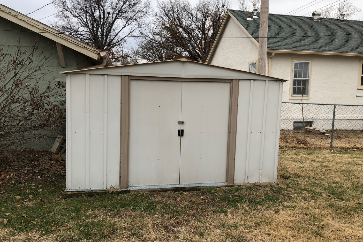 Car Garage For Rent >> Fixer Upper W 4 Car Garage Available Rent 2 Own This 2 Bed 1 Ba